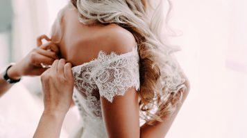 Er lüftet sein Geheimnis: Braut bricht in Tränen aus!